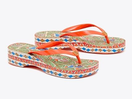 Tory Burch シューズ・サンダルその他 関税・送料込TORY BURCH☆PRINTED CARVED WEDGE FLIP-FLOP(2)