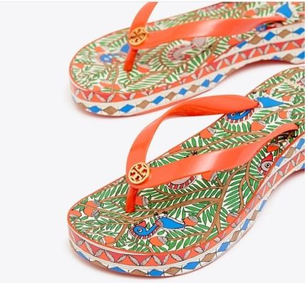 Tory Burch シューズ・サンダルその他 関税・送料込TORY BURCH☆PRINTED CARVED WEDGE FLIP-FLOP(3)