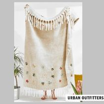 UrbanOutfitters☆Embellished Flower Throw Blanket☆N