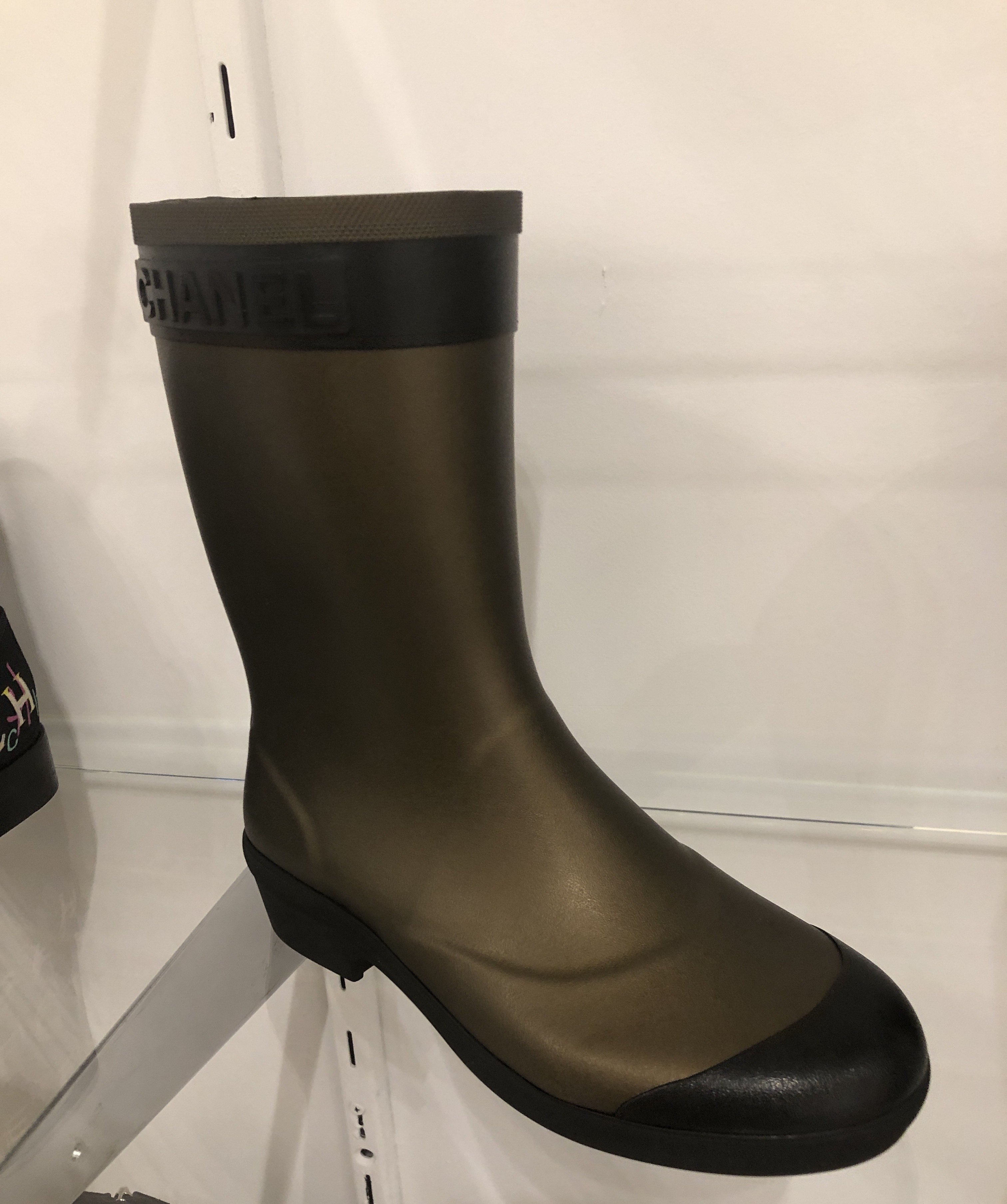 Shop CHANEL 2019 SS Rain Boots Boots by