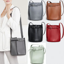 CE020 BIG BAG BUCKET WITH LONG STRAP IN SMOOTH CALFSKIN