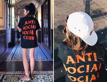Anti Social Social Club × Undefeated PARANOID 半袖Tシャツ