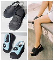 Urban Outfitters(アーバンアウトフィッターズ) サンダル・ミュール ★Urban Outfitters Zoe EVA Platform Sandal 厚底サンダル★