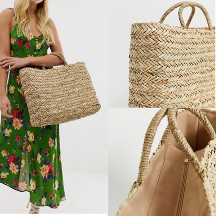 Exclusive straw beach bag
