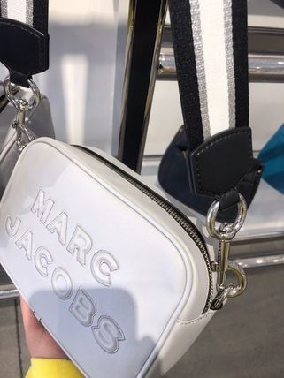 MARC JACOBS ショルダーバッグ・ポシェット SALE! Marc Jacobs ビッグロゴ&太目ストラップがキュート♪(15)