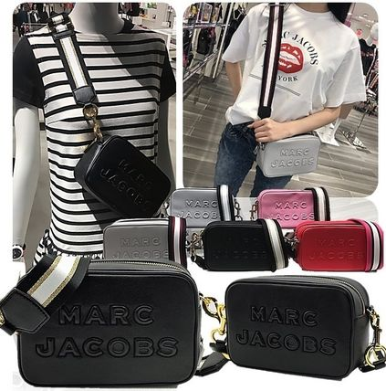 MARC JACOBS ショルダーバッグ・ポシェット SALE! Marc Jacobs ビッグロゴ&太目ストラップがキュート♪(2)
