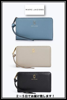 7c1124ca515a MARC JACOBS 折りたたみ財布 MARC JACOBS ザ ソフトショット コンパクト ウォレット ...