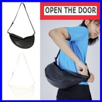 [OPEN THE DOOR]  leather semicircle bag(2色) -unisex/追跡付