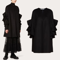 V1658 COMPACT DRAP CAPE WITH RUFFLE DETAIL