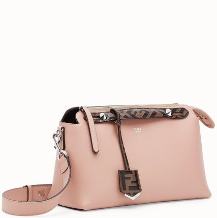 FENDI ショルダーバッグ・ポシェット FE2504 BY THE WAY WITH FF LOGO DETAIL(2)