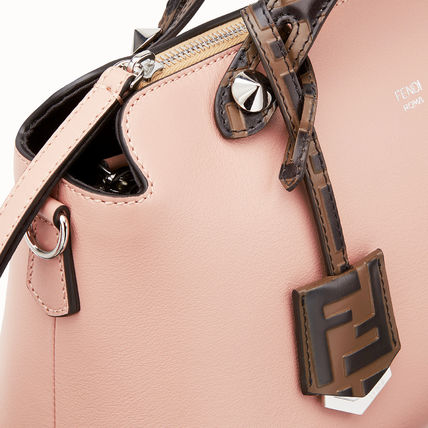 FENDI ショルダーバッグ・ポシェット FE2504 BY THE WAY WITH FF LOGO DETAIL(5)