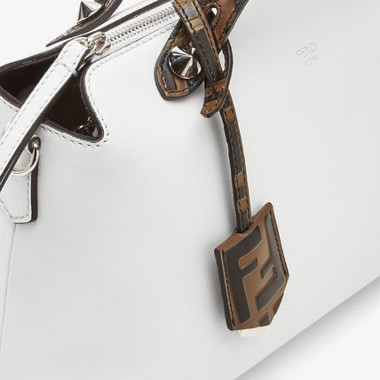FENDI ショルダーバッグ・ポシェット FE2504 BY THE WAY WITH FF LOGO DETAIL(13)