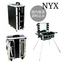 NYX♡X-LARGE MAKEUP ARTIST TRAIN CASE WITH LIGHTS