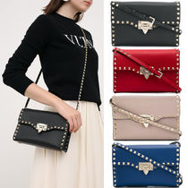 V1663 SMALL ROCKSTUD SMOOTH CALFSKIN CROSSBODY BAG