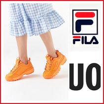 Urban Outfitters FILA 女性 ネオンスニーカー online限定販売