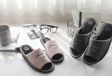 DECO VIEW ライフスタイルその他 【DECO VIEW】 Washing typo embroidery acupressure slippers
