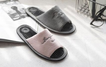 DECO VIEW ライフスタイルその他 【DECO VIEW】 Washing typo embroidery acupressure slippers(4)