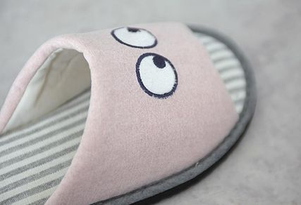 DECO VIEW ライフスタイルその他 【DECO VIEW】 Hello eyes embroidery slippers(6)