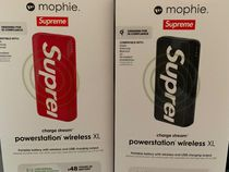 Supreme / Mophie Powerstation Wireless XL SS19 Week 19