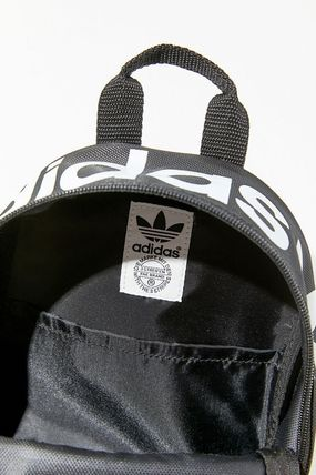 adidas バックパック・リュック セール!【Urban Outfitters】adidas Santiago Mini Backpack(4)