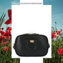 SALVATORE FERRAGAMO 'GANCIO CITY' BAG ブラック ポシェット
