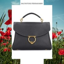 SALVATORE FERRAGAMO PEBBLED LEATHER HANDBAG ブラック トップ