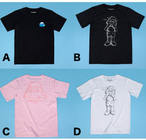 KAWS:HOLIDAY JAPAN T-shirt