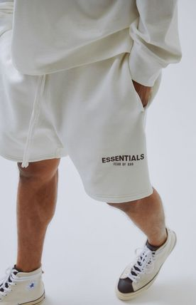 FEAR OF GOD ハーフ・ショートパンツ Fall '19 FOG - Fear Of God Essentials Sweat Shorts ショーツ(2)