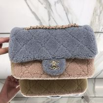 ★2019 CHANEL★Cozy CC SMALL FLAP SHEARLING GREY/BEIGE/PINK