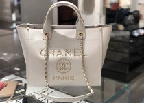 2019 C H A N E L ★再入荷のDeauville SMALL 33 IN white