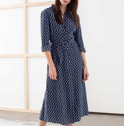 """& Other Stories ワンピース """"& Other Stories"""" Belted Micro Floral Midi Dress Navy"""
