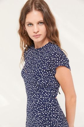Urban Outfitters ワンピース ● Urban Outfitters ●人気 Lindsey ミディ丈 ワンピース 2色(4)