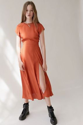 Urban Outfitters ワンピース ● Urban Outfitters ●人気 Lindsey ミディ丈 ワンピース 2色(8)