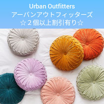 Urban Outfitters☆ 2個以上割り引き ラウンドピンタックピロー