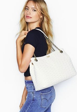 Victoria's Secret ショルダーバッグ・ポシェット 【Victoria's Secret】Studded V-Quilt Shoulder Tote(2)