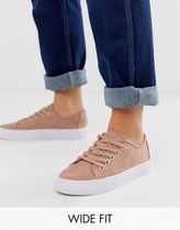 ASOS DESIGN Wide Fit Dusty lace up trainers in warm beige
