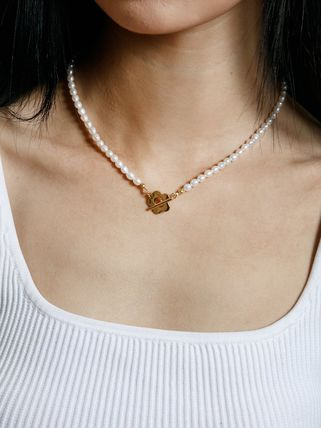 Wolf Circus ネックレス・ペンダント Wolf Circus/淡水パールネックレスSofia Pearl Necklace in Gold