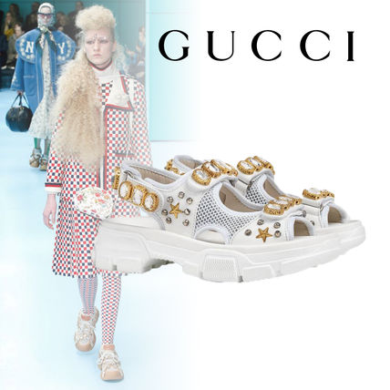 GUCCI シューズ・サンダルその他 【関税込】2019AW GUCCI Leather and mesh sandal with crystals