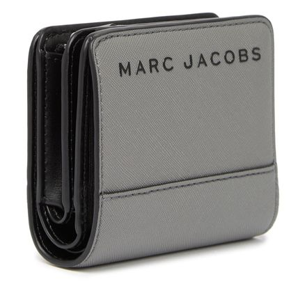 MARC JACOBS 折りたたみ財布 SALE! Marc Jacobs ロゴ ミニ 財布★L字ファスナー小銭入れ付♪(9)