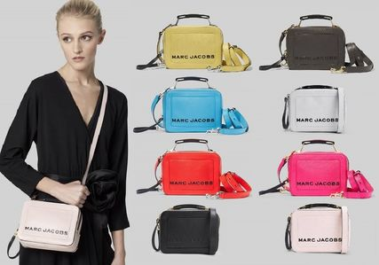 MARC JACOBS ショルダーバッグ・ポシェット 【関税込/追跡付】★MARC JACOBS★2019年 The Box ミニバッグ