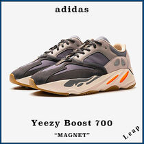 """【adidas×Kanye West】人気 限定 Yeezy Boost 700 """"Magnet"""""""
