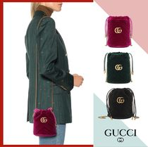 バケットに目が釘付け★【GUCCI】GG Marmont Velvet Bucket Bag