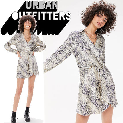 Urban Outfitters ワンピース ●Urban Outfitters●人気 Olympia スネーク柄 サテン ワンピ