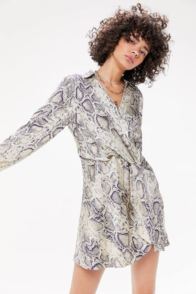 Urban Outfitters ワンピース ●Urban Outfitters●人気 Olympia スネーク柄 サテン ワンピ(2)
