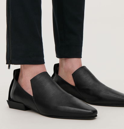 """""""COS""""  POINTED LEATHER LOAFERS BLACK"""