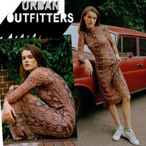 ●Urban Outfitters●人気 Siren スネーク柄 メッシュワンピース