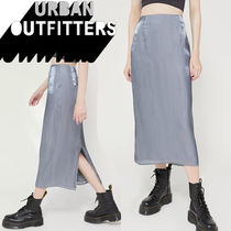 ●Urban Outfitters●人気 Angelica ツヤ光沢 ミディ丈 スカート