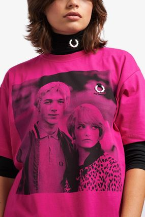 FRED PERRY Tシャツ・カットソー 【FRED PERRY】RAF SIMONS コラボ☆ プリント Tシャツ Pop Pink(6)