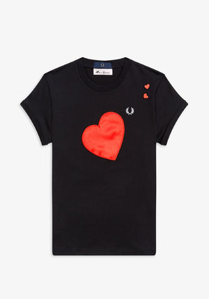 FRED PERRY Tシャツ・カットソー フレッドペリー SG7114 102 WOMEN AMY WINEHOUSE HEART DETAIL T(4)