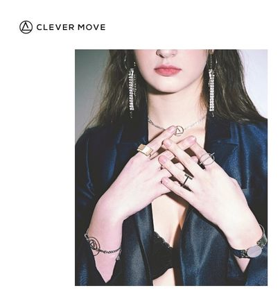 [CLEVER MOVE] #221 CHAIN CUBIC drop EARRING TWICE 着用